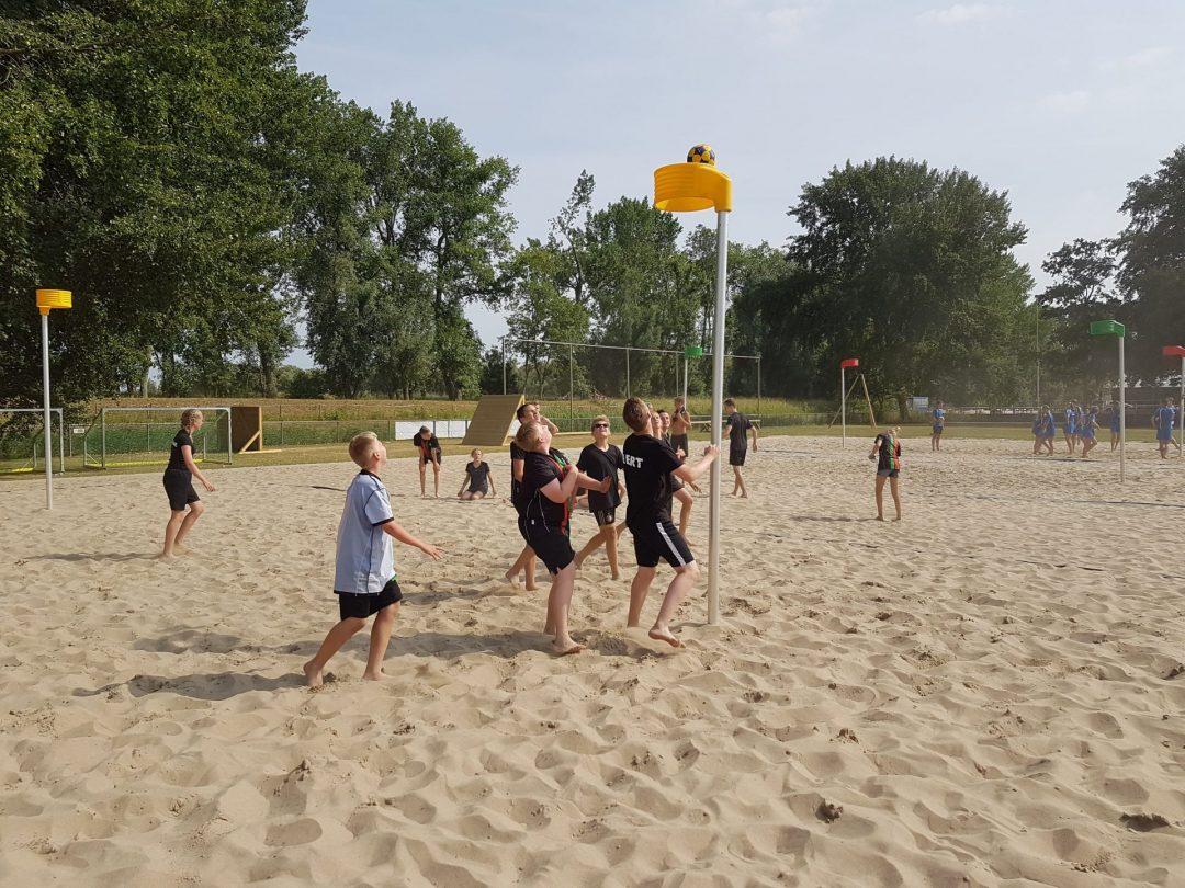 Foto van het Beachkorfbaltoernooi voor op de zaterdag aanmeldingspagina Foto 10-min