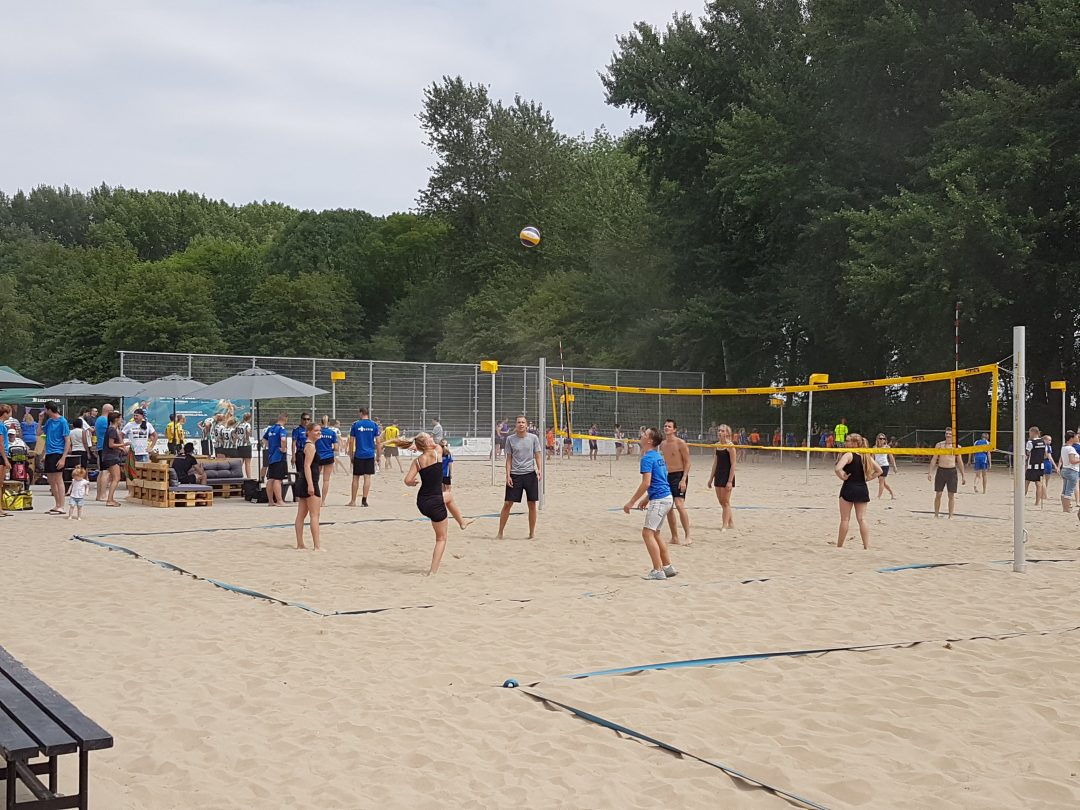 Foto van het Beachkorfbaltoernooi voor op de zaterdag aanmeldingspagina Foto 2-min