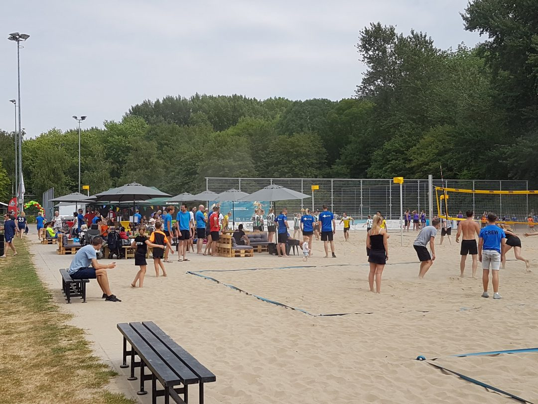 Foto van het Beachkorfbaltoernooi voor op de zaterdag aanmeldingspagina Foto 3-min