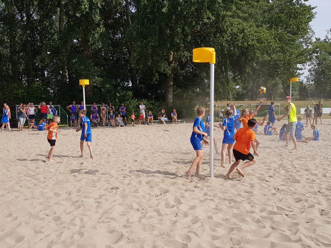 Foto van het Beachkorfbaltoernooi voor op de zaterdag aanmeldingspagina Foto 7-min