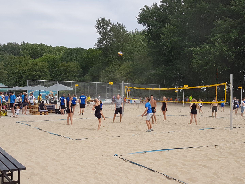 Foto van het Beachkorfbaltoernooi voor op de zaterdag aanmeldingspagina Foto 2